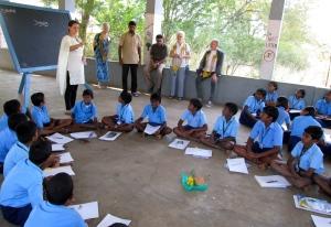Laura teaching an Art class in Tamil Nadu